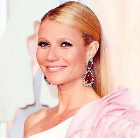 Gwyneth Paltrow at Oscars 2015