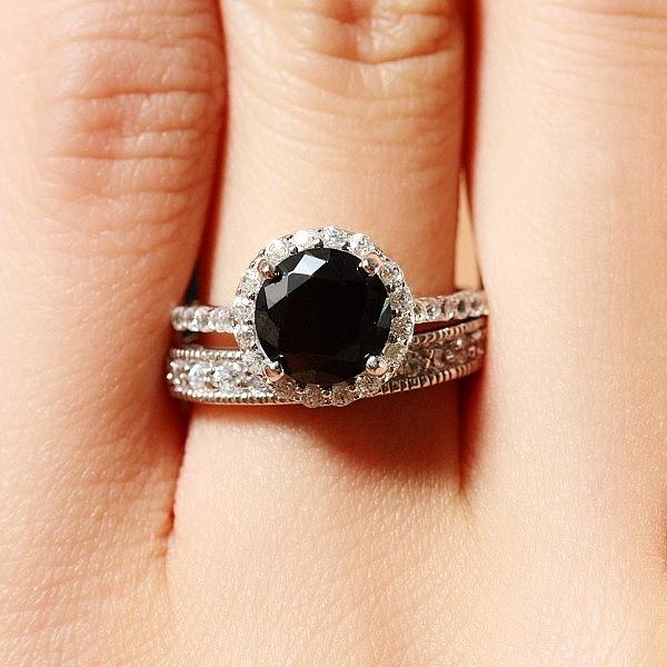 Black Diamonds: The Fierce Fashion Trend Dominating Hollywood ...