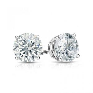 The Ultimate Guide to Buying Diamond Stud Earrings