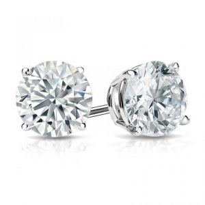 The Best Setting for Your Diamond Studs