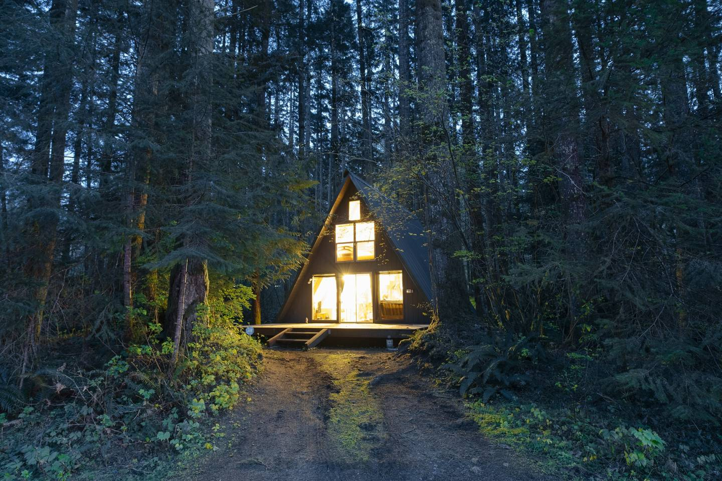 15-cabins-to-rent-this-winter-airbnb-the-everygirl11