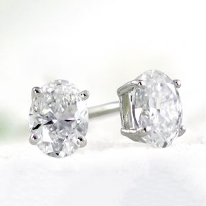 Top 5 Benefits of Buying Oval Cut Diamond Studs