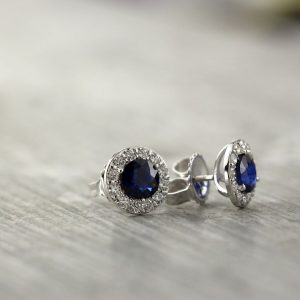 September Stunning Birthstone: Sapphire Gemstone Jewelry