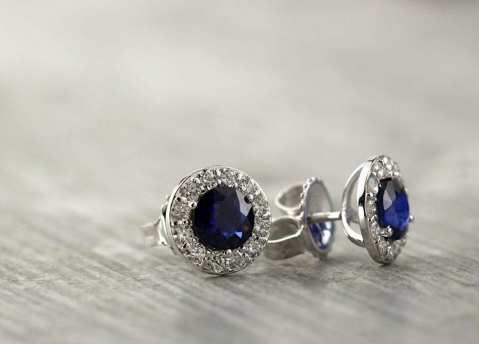 September Stunning Birthstone: Sapphire Gemstone Jewelry