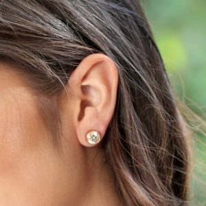 Selecting the Best Diamond Studs for Your Face Shape
