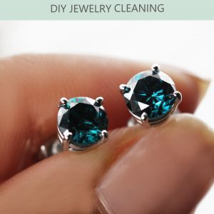 The Do's and Don'ts of DIY Diamond Jewelry Cleaning and Care