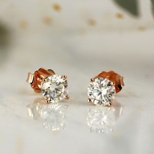 Valentine's Day Gift Ideas: Elegant Stud Earrings for Her