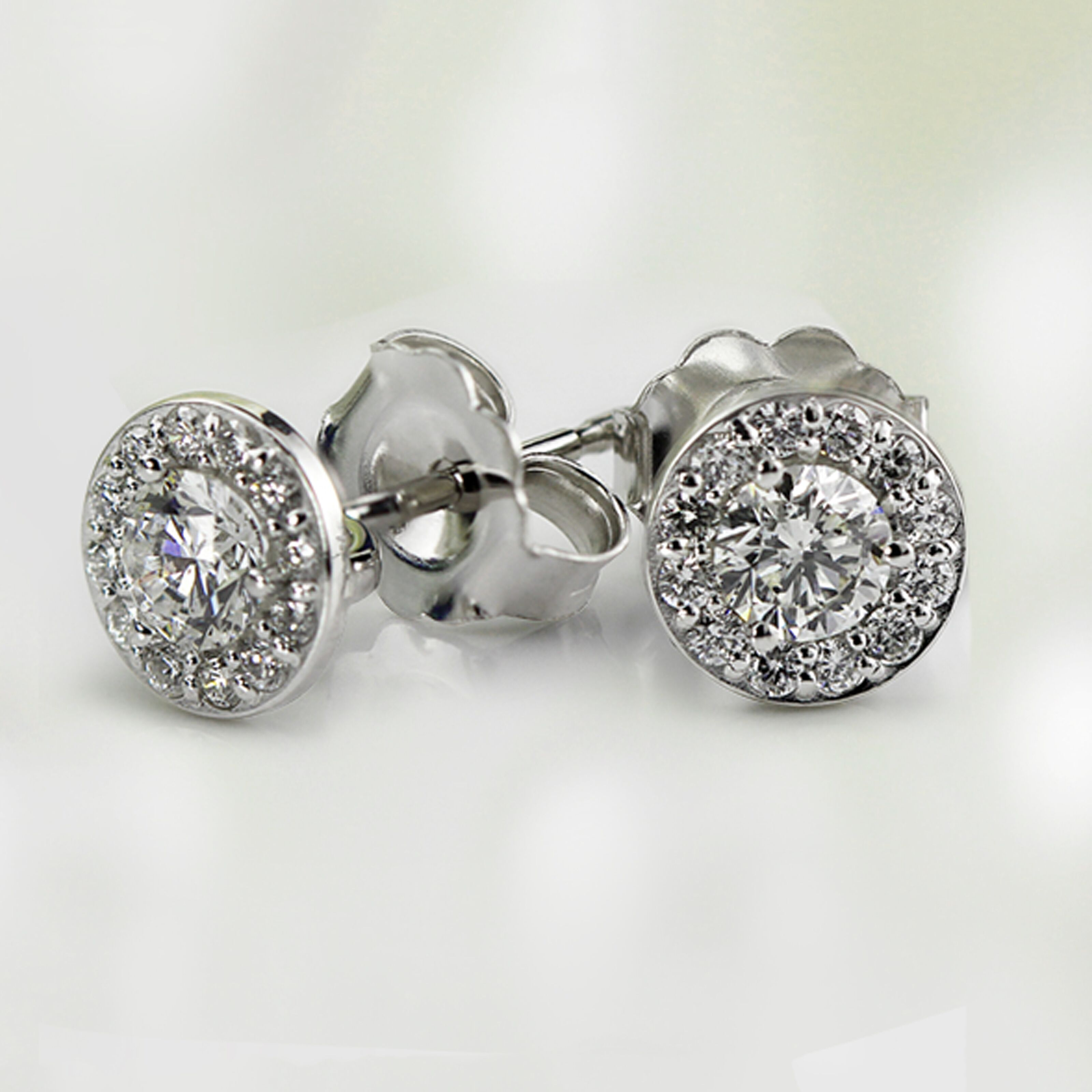 Never Lose Your Diamond Earrings What Backing Type To Select Diamondstuds News