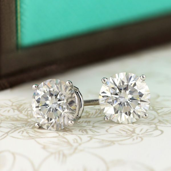 Part Two: The Best Setting for Your Diamond Studs