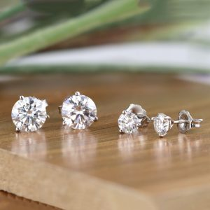 What is an Ideal Size for Diamond Stud Earrings?